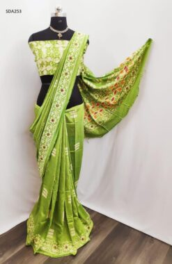 Green Color Pure Cotton Silk Batik Saree Code SDA253